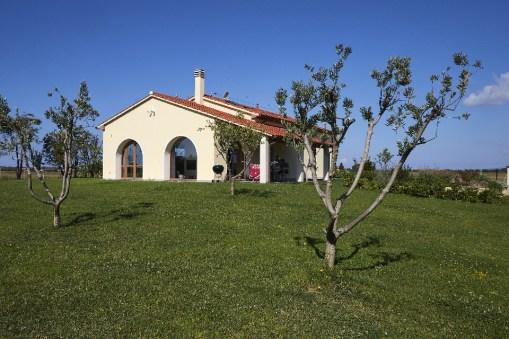 De villa met grote tuin