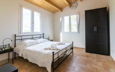 Slaapkamer 4 met 2-persoonsbed huis 1