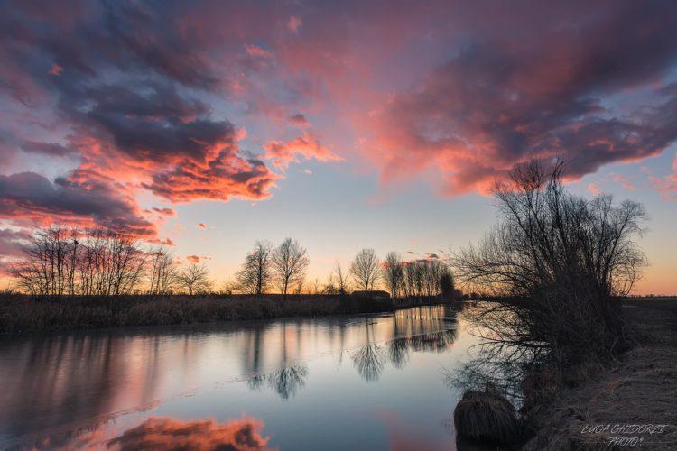 italiainpiega-pieghe meravigliose-itinerari moto pianura padana-i gonzaga-campagna mantovana-tramonto
