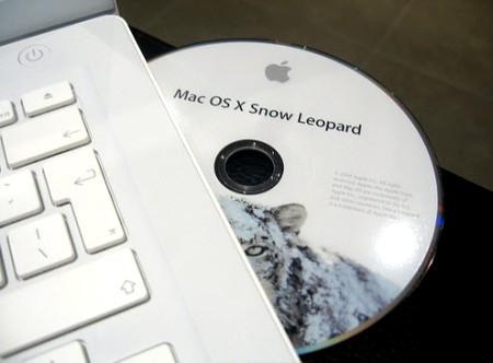 SnowLeopard DVD 004 Mac OS X 10.6.5 in avvicinamento, build 10H555 agli sviluppatori