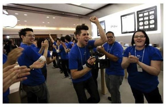 3083553 Apple Store: intervista a un dipendente