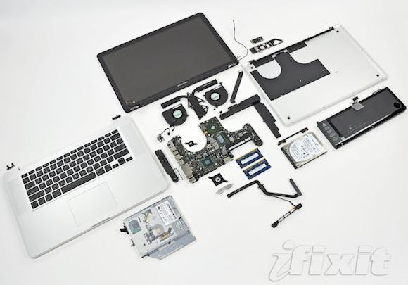 Macbook pro teardown1 iFixit mette a nudo i nuovi MacBook Pro