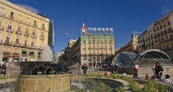 Puerta del Sol 2 nuovi Apple Store in arrivo: uno a Firenze e uno in Spagna