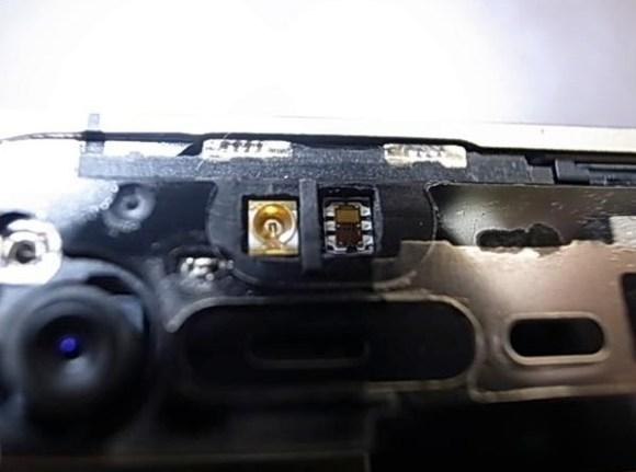 whiteiphone 110501 2 580x431 iPhone 4 bianco: le differenze con il modello nero non riguardano solo lo spessore