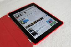 %name Provata la Combo Case, cover in TPU per proteggere il retro di iPad 2