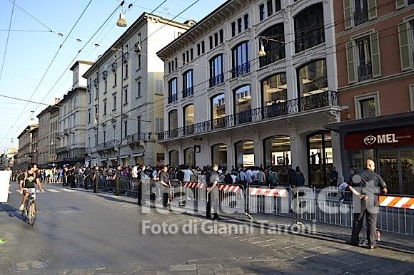 Fila iniziale 580x386 Il reportage di Italiamac dallApple Store di Bologna