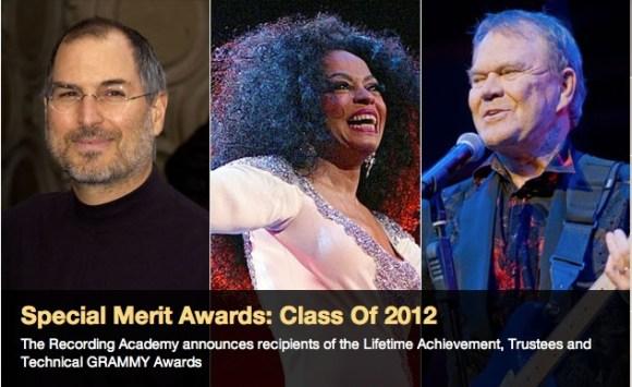 Schermata 12 2455918 alle 11.41.57 580x355 Steve Jobs sarà premiato durante la 54a Cerimonia dei Grammy Awards