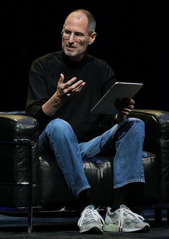 steve jobs ipad iPad 3 potrebbe uscire sul mercato il 24 febbraio: ovvero il giorno del compleanno di Steve Jobs