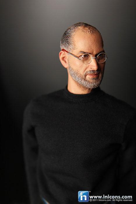 gallery6 Ufficiale: vendite e produzione vietate per laction figure di Steve Jobs