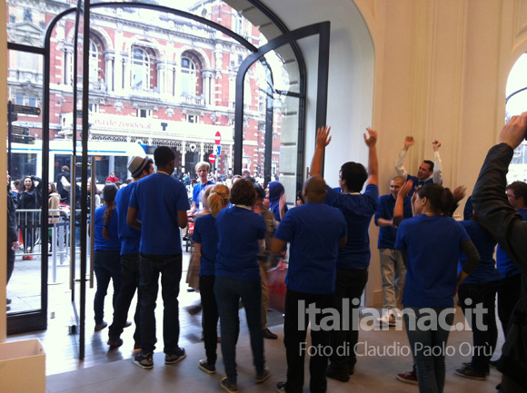 2 Linaugurazione del nuovo Apple Store ad Amsterdam, il reportage di Italiamac