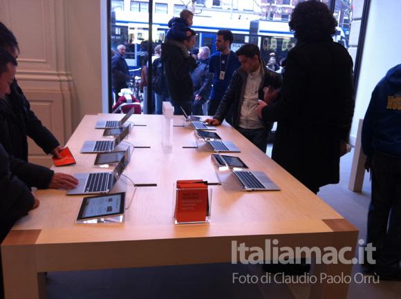 3 Linaugurazione del nuovo Apple Store ad Amsterdam, il reportage di Italiamac