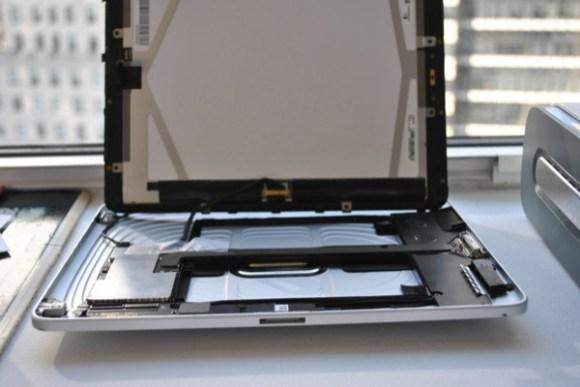 iPad 1 580x387 Un prototipo di un iPad con doppio connettore dock è stato venduto su eBay per 10.000 dollari