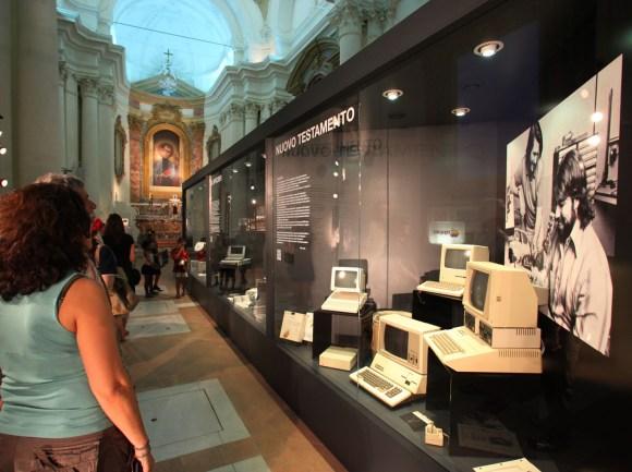 """Luigi Gasparroni 0362 580x433 Inaugurata """"Il Vangelo secondo Steve Jobs"""" a Civitanova Marche, ecco qualche foto"""