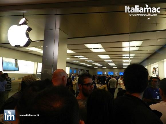 DSCN2343 580x435 Apple Store Campania, reportage fotografico allapertura del centro commerciale
