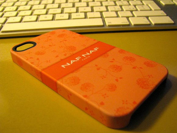 nafnaf1 580x435 Custodia Naf Naf per iPhone 4 e 4S by Proporta