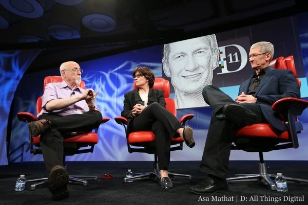 Tim Cook intervistato al D11 2 Tim Cook: ecco le nuove idee della mela, fra iWatch, Apple TV e iOS 7. Ma boccia i Google Glass