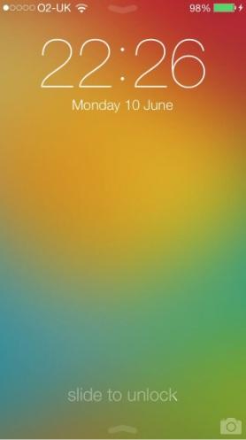 La schermata di blocco e la Home di iOS 7