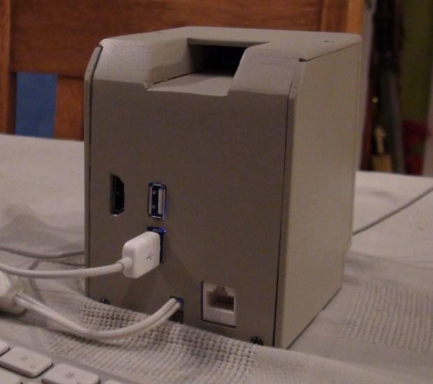 backcase 620x551 Mini Mac, ritorna il Mac Classic del 1990 nella versione mini