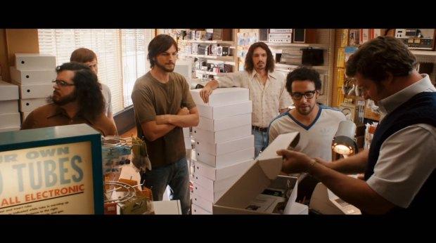 jobs film italiamac 015 620x346 Galleria fotografica con i frame del film Jobs in uscita il 16 agosto 2013 in America