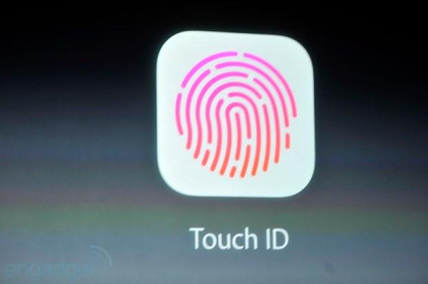 iphone2013 0201 620x412 Sul nuovo iPhone 5s il sistema di riconoscimento delle impronte digitali, le prime immagini