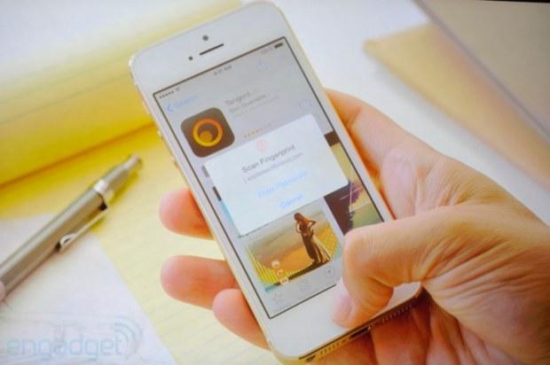 iphone2013 0216 620x412 Sul nuovo iPhone 5s il sistema di riconoscimento delle impronte digitali, le prime immagini