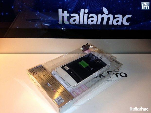 puro battery bank cover 001 620x465 Provato per voi: iPhone 5 Battery Bank Cover, la batteria di riserva a forma di cover di Puro