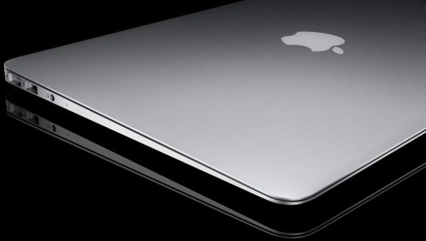 macbook air 620x351 Apple rilascia laggiornamento firmware per MacBook Air Flash Storage Firmware Update 1.1