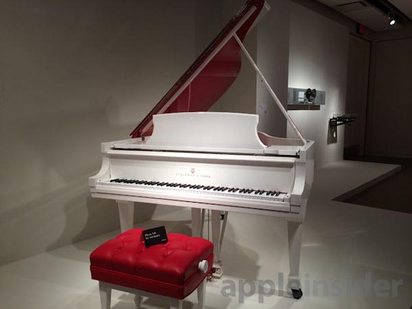 pianoforte Il MacPro Product (RED) in edizione limitata è stato venduto per un milione di dollari