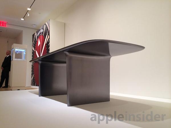 scrivania monoblocco Il MacPro Product (RED) in edizione limitata è stato venduto per un milione di dollari