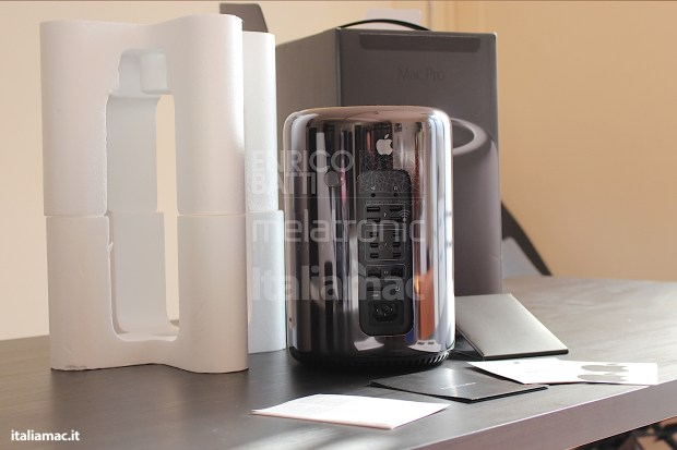 Apple-MacPro-Black-Italiamac-004