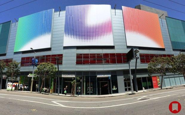 1401397815 Photo May 29 1 48 26 PM 620x388 Il Moscone Center é pronto per il WWDC 2014 del 2 giugno