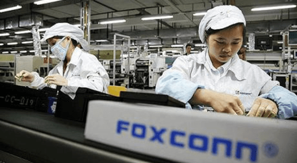 foxconnapple Foxconn vuole collaborare con SHARP nel tentativo di assicurarsi i display per iPhone e iPad