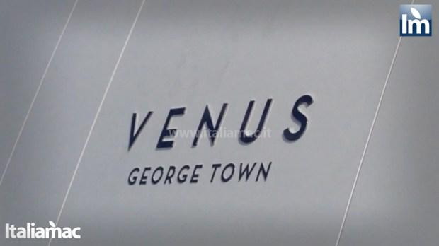 yatch venus steve jobs brindisi 09 620x348 Le foto esclusive di Italiamac dello Yatch Venus di Steve Jobs (ora di Laurene) ormeggiato nel porto di Brindisi nellAdriatico
