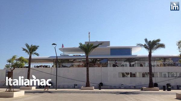 yatch venus steve jobs brindisi 14 Le foto esclusive di Italiamac dello Yatch Venus di Steve Jobs (ora di Laurene) ormeggiato nel porto di Brindisi nellAdriatico