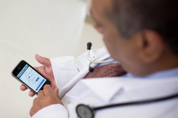 doctor e1408791243569 620x413 Doctor Chat, unApplicazione creata e sviluppata da medici per i medici