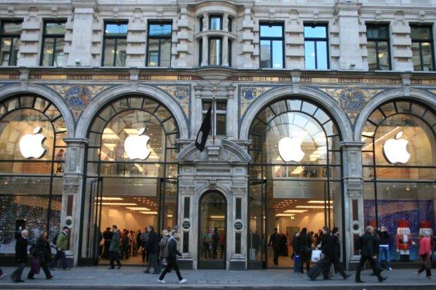 foto apple store 620x413 [Rumors] Anche negli Apple Store europei, si potrà sostituire il display delliPhone 5s