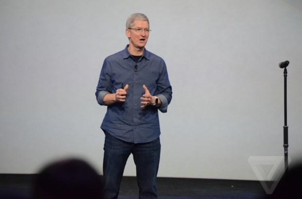 AppleEvent1 620x410 La lettera di Tim Cook ai dipendenti: Un giorno incredibile per Apple