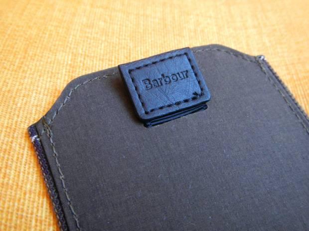 DSCN1184 620x465 Proporta: Una Custodia a pochette per iPhone 5s /5 in tessuto originale Barbour