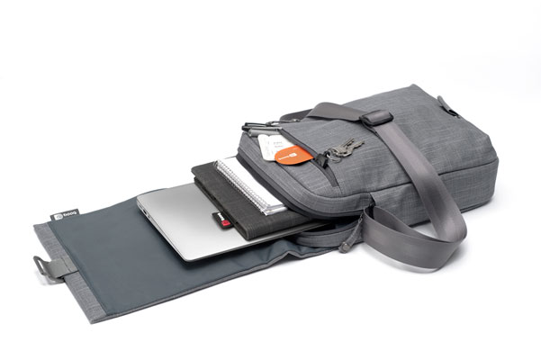 MCR11 GRY6 Mamba Courier di Booq, la borsa di juta per MacBook Air