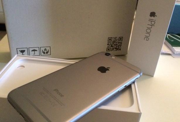 iphone6 Crescent Gate: iPhone 6 ed un disallineamento della fotocamera frontale