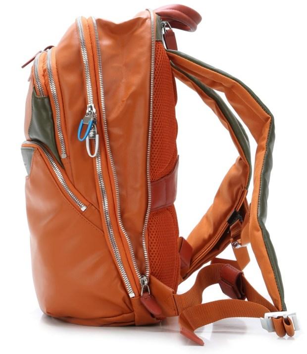 piquadro coleos 12 laptop backpack ca2944os ar 2 620x715 Nuovo zaino porta iPad della collezione Coleos di Piquadro.