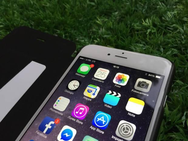 PuroBooklet5 620x465 Puro Booklet Crystal, una pratica custodia a libro per iPhone 6 e iPhone 6 Plus
