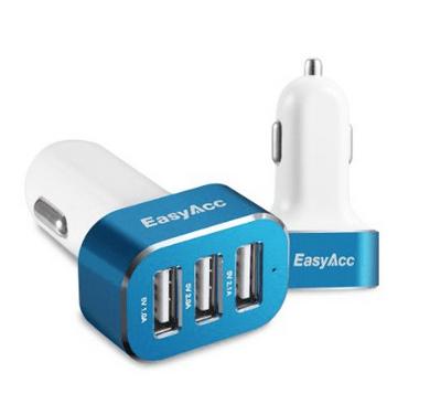 Schermata 2015 01 21 alle 12.14.40 Easy Acc: Caricabtteria da Auto con 3 porte USB in grado di erogare 5.1 A di potenza