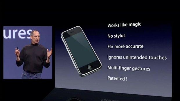 Steve Jobs iPhone patented 2007 keynote 620x349 [Video] Il 9 Gennaio 2007 Steve Jobs presenta il primo iPhone + Video Italiamac