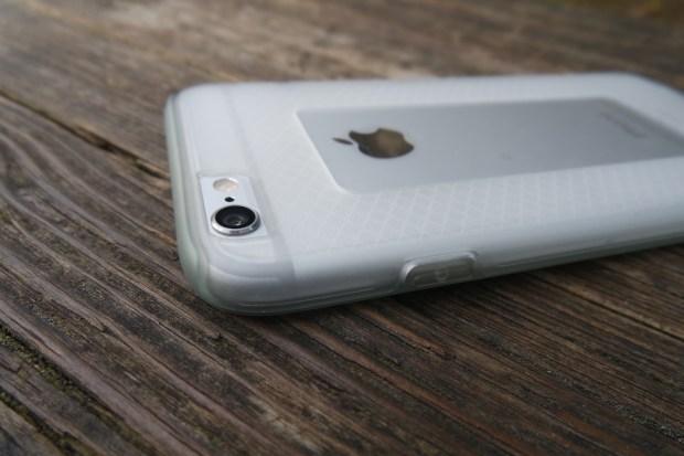 cable3 620x413 Cable Technologies: Titanium, una Cover per iPhone 6 dal Design inalterato