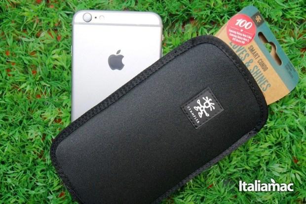 Clumpler Cover neoprene 1280x853 Crumpler Smart Condo 100, una cover a pochette per iPhone 6 Plus