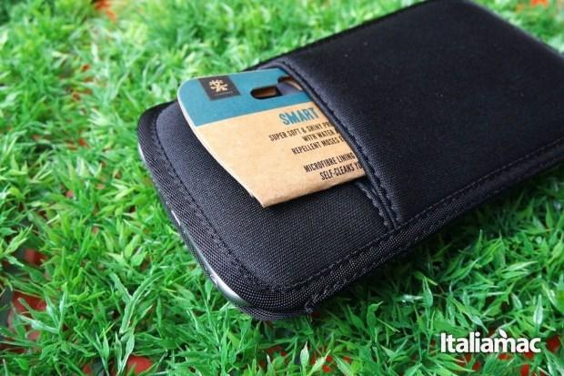 Clumpler Cover neoprene 9 1280x853 Crumpler Smart Condo 100, una cover a pochette per iPhone 6 Plus
