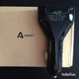 %name La prova di Aukey Quad USB Port Car Charger, caricatore da auto per smartphone