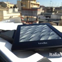 Kindle Paperwhite bottom