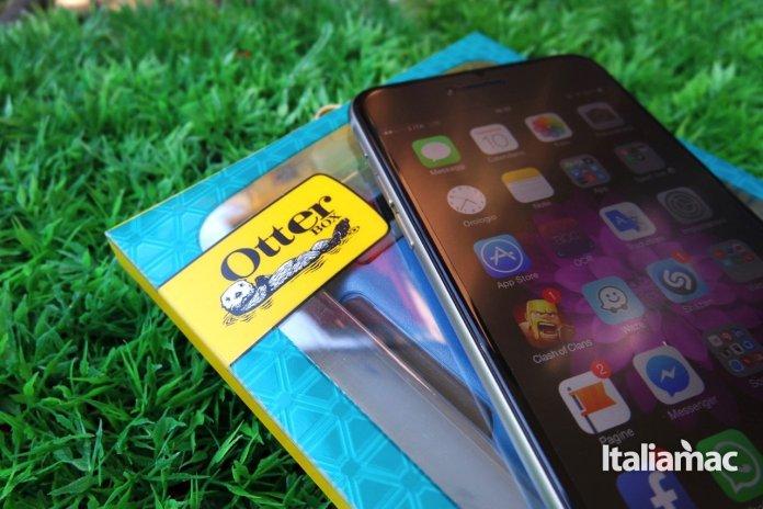 otterbox15 Otterbox, Symmetry Series Case, proteggi il tuo iPhone in ogni sua sezione